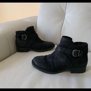 BORN Black boots size 7 1/2